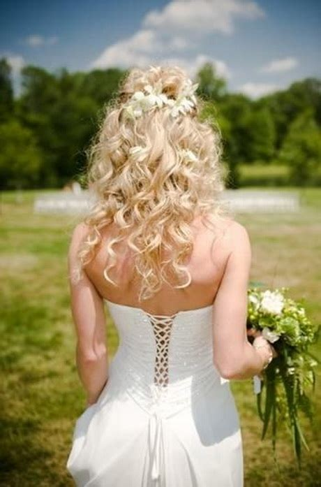 prom hairstyles natural curls prom hairstyles with curls