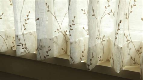 hang cafe curtains southern living