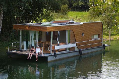 Hausboot Deutschland Wohnen by Datei Modernes Hausboot Jpg
