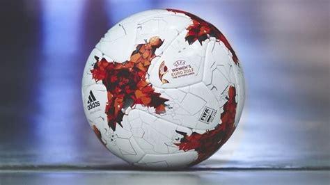 libro the uefa european football l uefa pr 233 sente le ballon officiel adidas du chionnat d europe f 233 minin 2017