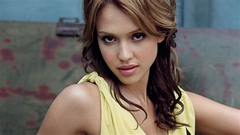 Wall Images Hd by Jessica Alba 041 1366x768 Wallpaper Download