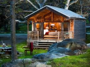Tiny romantic cottage house plan tiny cabin house one bedroom log