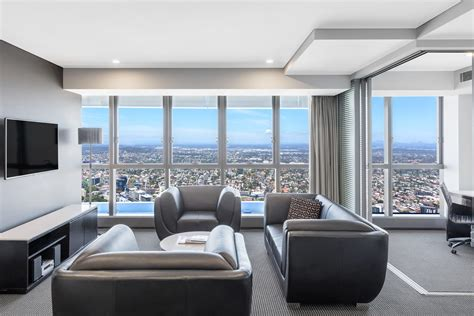 2 bedroom accommodation brisbane 2 bedroom altitude suite herschel street brisbane