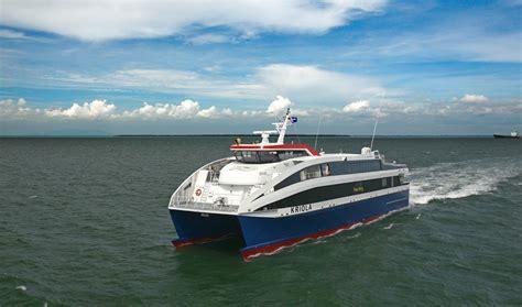 Feet In Meter high speed cargo passenger ships