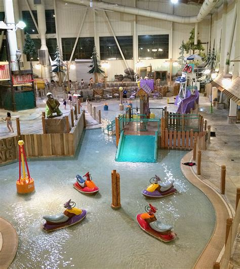 great wolf lodge at christmas