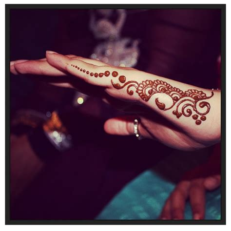small tattoos on side of hand side of henna design 500 700 peso 10 15 usd