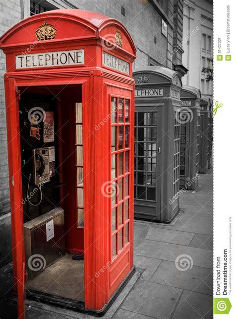 cabine telefoniche inglesi in vendita englische telefonzelle redaktionelles foto bild