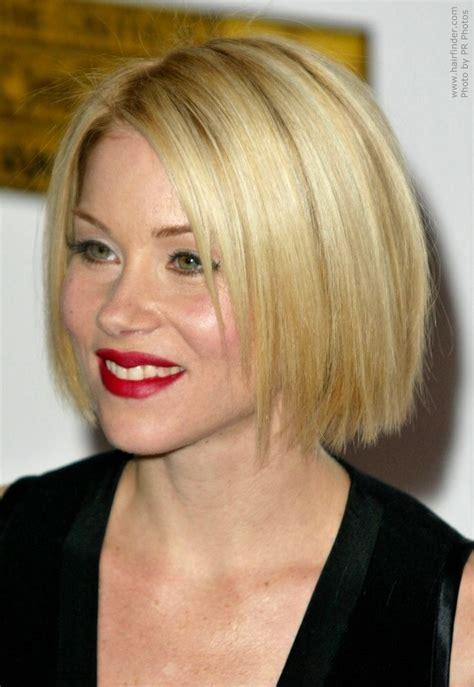 jaw lenght hairstyles that hug the face christina applegate wearing her hair in a classic bob at