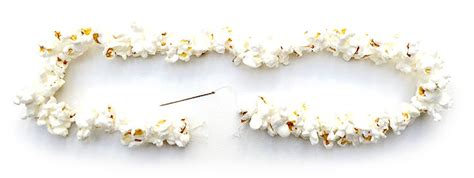 how to string popcorn on christmas tree how to make tree popcorn garland pictures