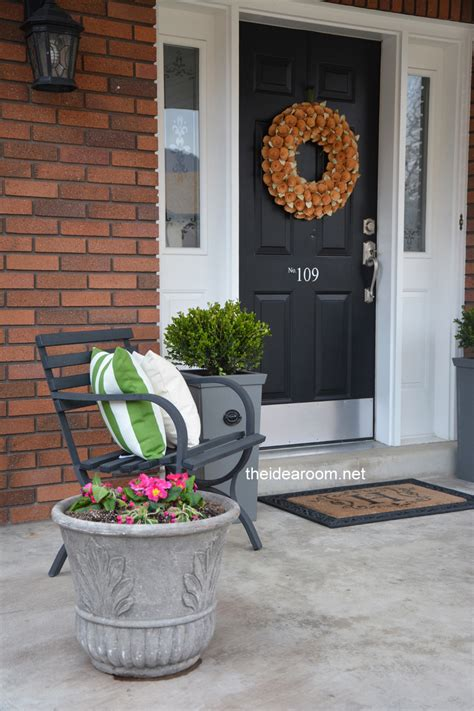 Porch Planters Ideas by Diy Porch Planter