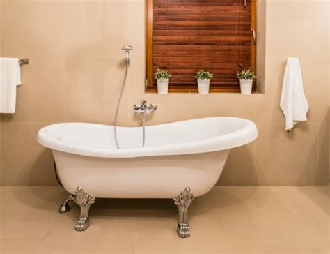 Paint Bathtub by How To Paint A Bathtub Bob Vila
