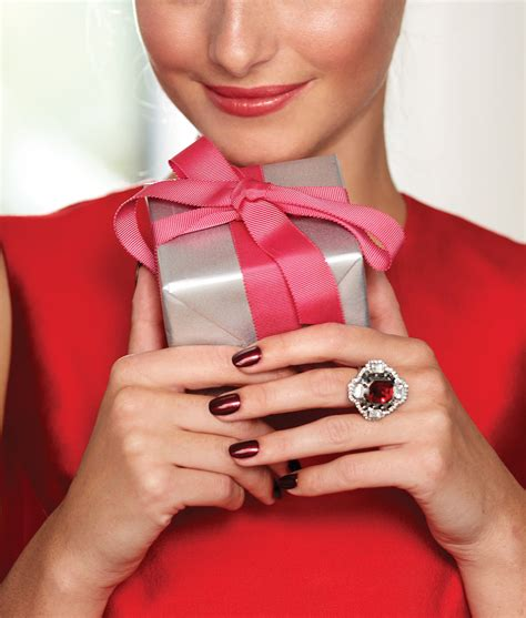 Gift Nails - seven best nailpolish colours to on chatelaine