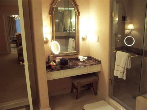 Built In Makeup Vanity Ideas by Built In Makeup Vanity Search Decorating Ideas