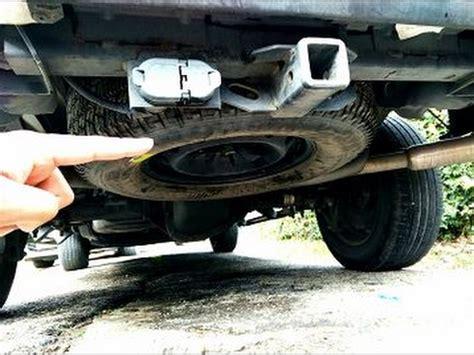 como remover la llanta de refaccion en cualquier camioneta