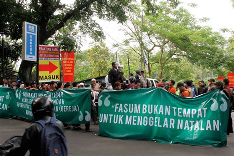 ahok christmas religious intolerance may increase ahead of ahok trial