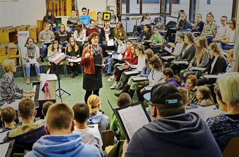 Auto Lutz D Singen by Hilfe F 252 R Dennachbarn Adventskonzert Der Schulen Singen