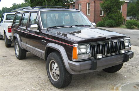 1992 jeep xj file jeep xj 4d laredo burgundy sop fr jpg