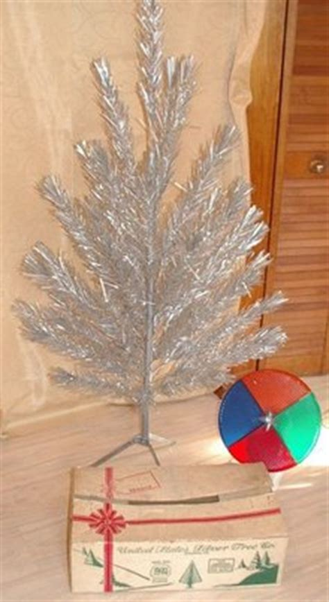 silver christmas tree color wheel