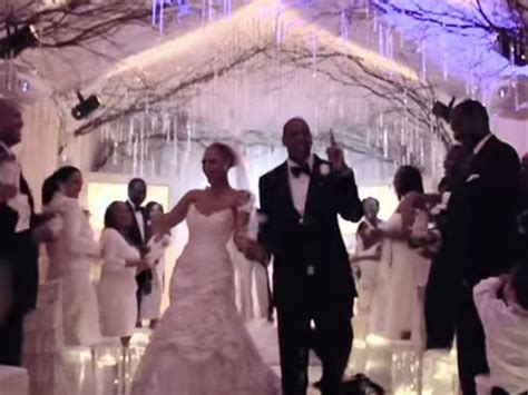 inside the crumbling marriage of jay z and beyonc page six beyonce and jay z share never seen wedding footage and