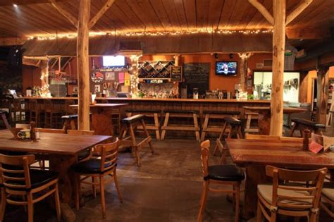 Cabin Restaurants by This Log Cabin Restaurant In Maryland Is Delightfully Charming