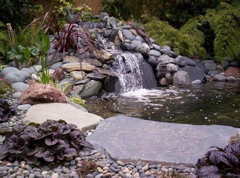 giardini con laghetti il laghetto artificiale arredo giardino
