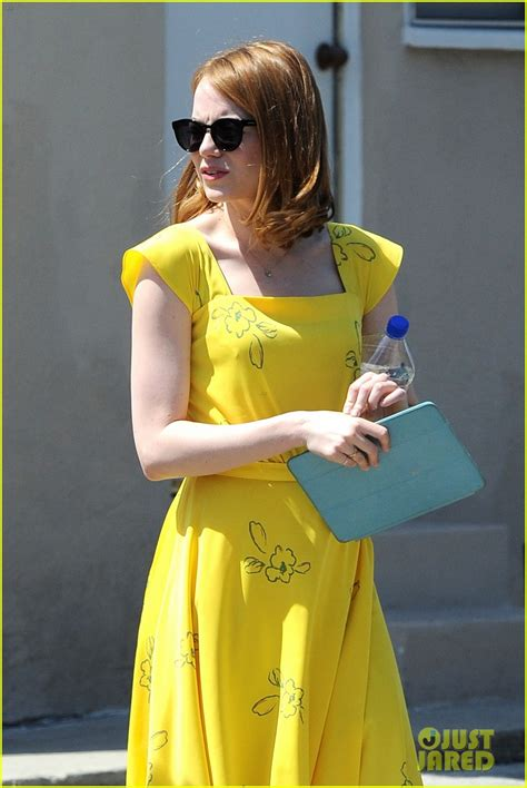 emma stone la la land yellow dress emma stone wears a lovely yellow dress for la la land