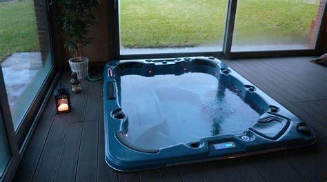 massaggio nascosta mini piscina idromassaggio nascosta per soggiorni