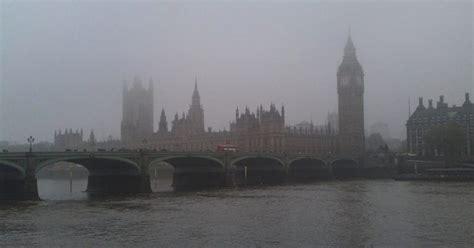 a londra nebbia e smog a londra di londra