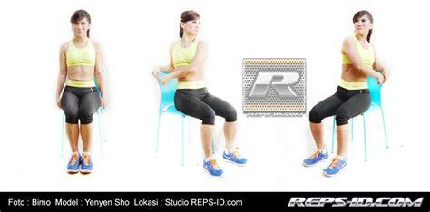 Kursi Fitness mengencangkan perut dengan latihan memakai kursi reps