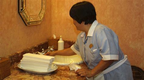how should you tip a hotel housekeeper in hawaii pacific business news