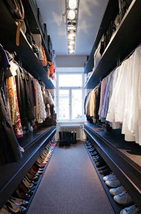How Wide Should A Walk In Closet Be by 25 Best Ideas About Narrow Closet On