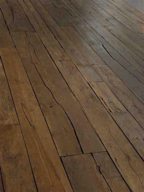 creaky floorboards musely
