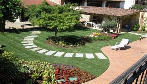 sistemazione giardini privati edilizia servizi daniele marcelli edilnet it