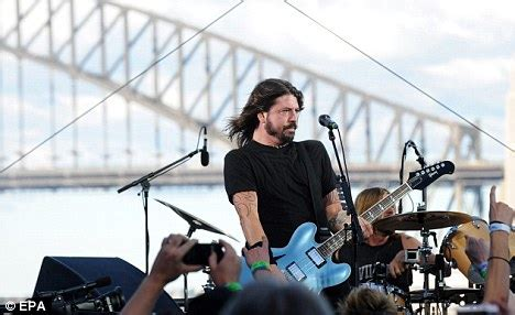 Grohl Puts The Growl Back Into Rock With New Foo Fighters