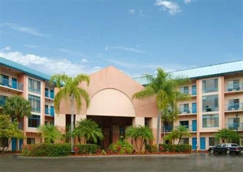 Comfort Inn And Suites Naples Fl by Exterior Jpg