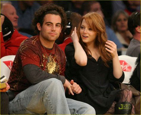 emma stone brother emma stone is a lakers lady photo 352377 photo gallery