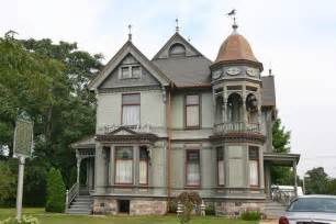 fixer upper 187 victorian homes great photo gallery