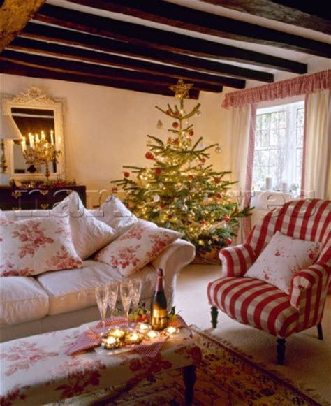 country homes and interiors christmas country style cottage sitting room decorated for christmas
