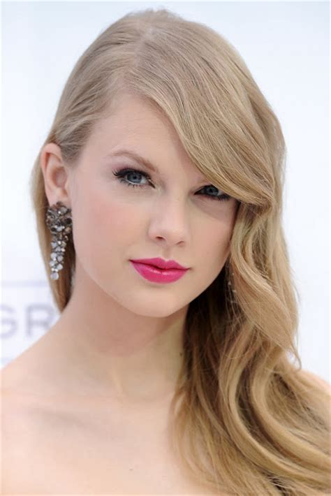 biography of taylor alison swift best zone images taylor alison swift profile and