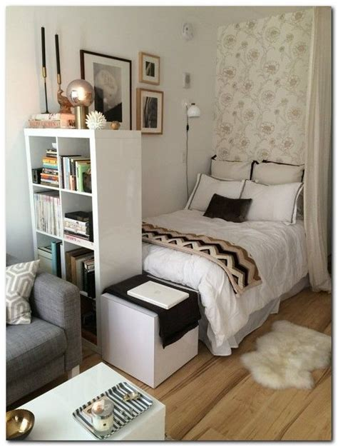 organizing small bedroom 25 best small bedroom organization ideas on pinterest