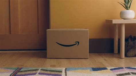 amazon key amazon key lets people including delivery securely