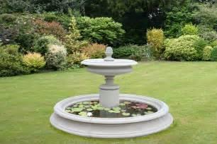the welham garden centrepeice
