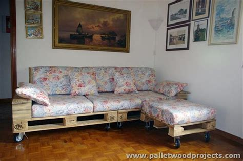 sofa with wheels wooden pallet sofa on wheels pallet wood projects