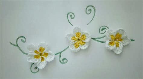 realizzare fiori all uncinetto come realizzare dei fiori all uncinetto 28 images