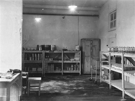 Central Supply Room by 100th General Hospital Ww2 Us Research Centre