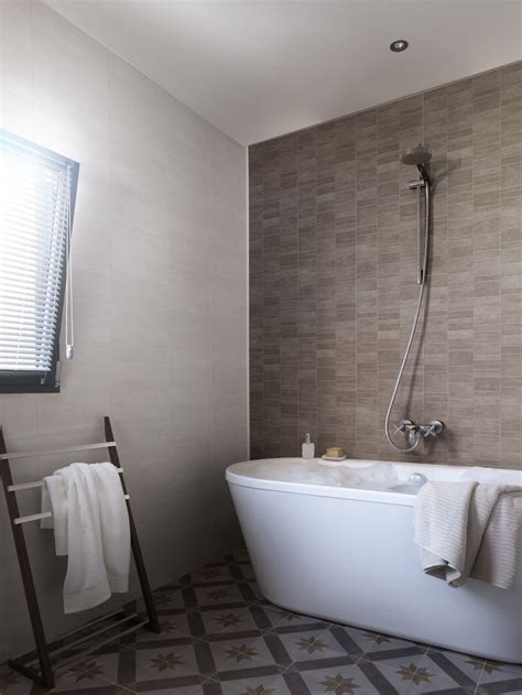 waterproof paneling for bathrooms 25 best ideas about waterproof paneling on pinterest