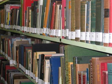scaffale libri file scaffale libri jpg wikimedia commons