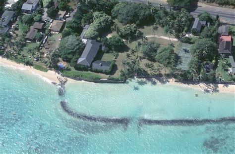 obama buys house in hawaii snopes obama buys hawaii home same home where magnum p i was