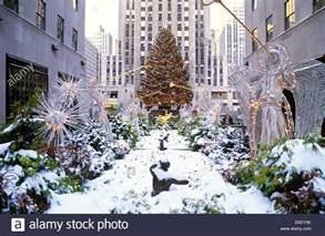 christmas tree rockefeller center manhattan new york