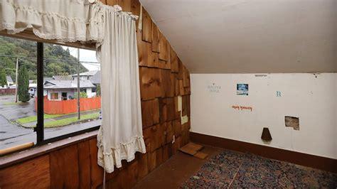 kurt cobain s house kurt cobain childhood home for sale along with his mattress